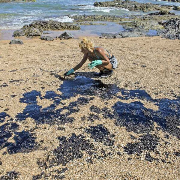 BRAZIL-ENVIRONMENT-POLLUTION-OIL-SPILL