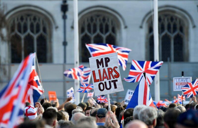 Polarización.  La aritmética parlamentaria, con la desconcertante distribución de los votos que una y otra vez ha provocado que el estancamiento perdure, no cambiará con el nuevo primer ministro.