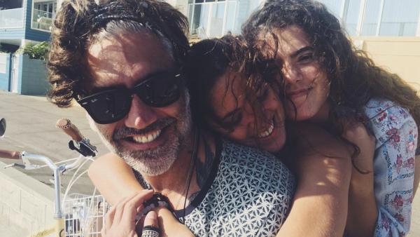 Alejandro Fernández y sus gemelas América y Camila