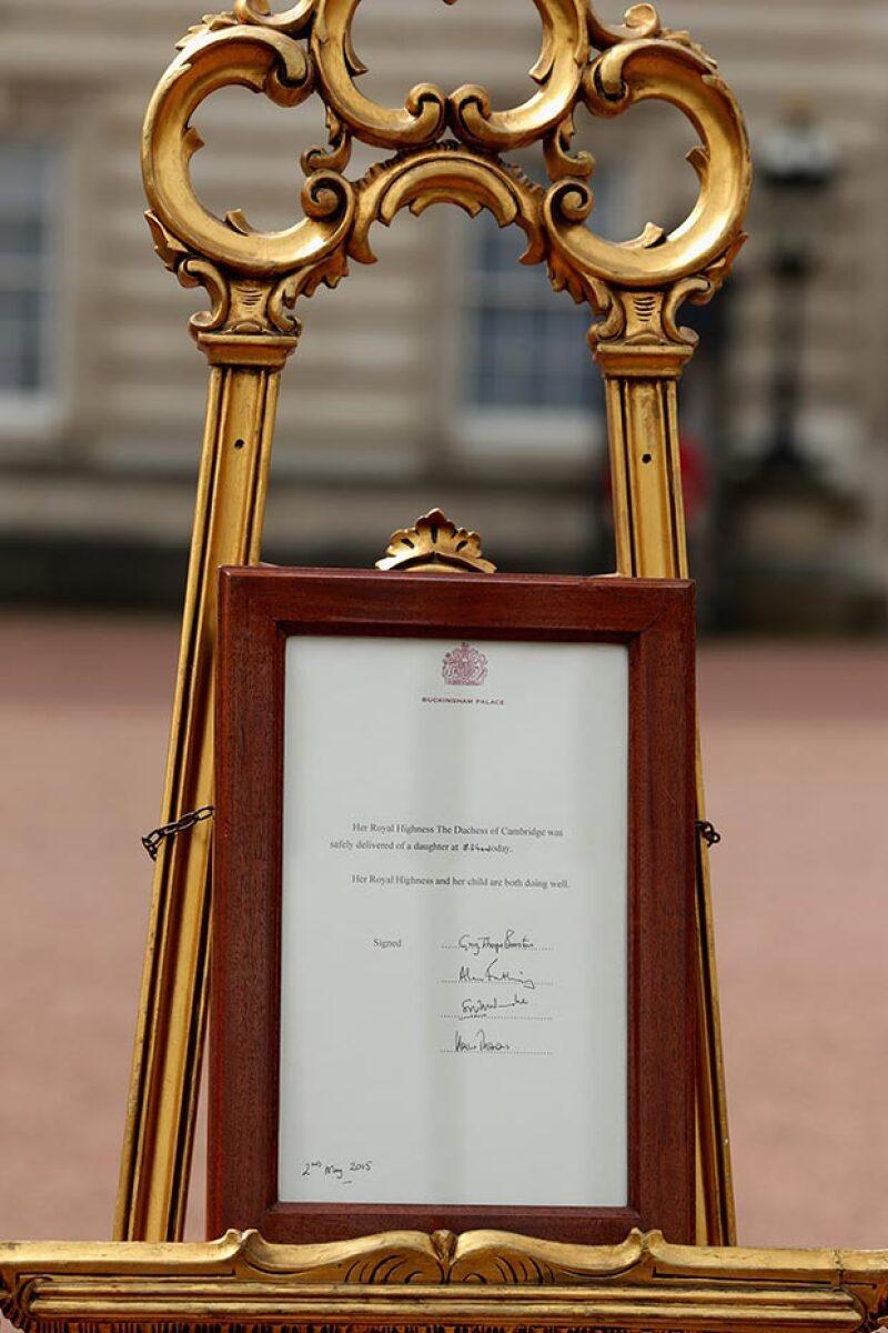 El caballete es el mismo que se utilizó para el anuncio del nacimiento del príncipe Guillermo y del príncipe George.