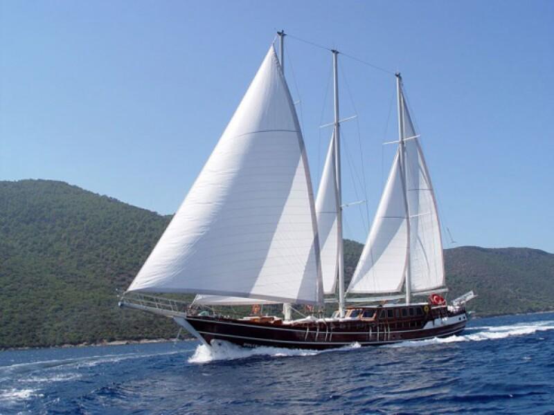 Este es el bote Dolce Vita donde los reyes de España y sus hijas disfrutaron de sus vacaciones.