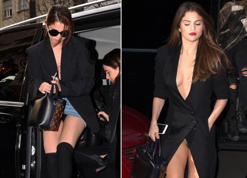 La cantante enseñó su ropa interior dos veces durante la semana de la moda en París.