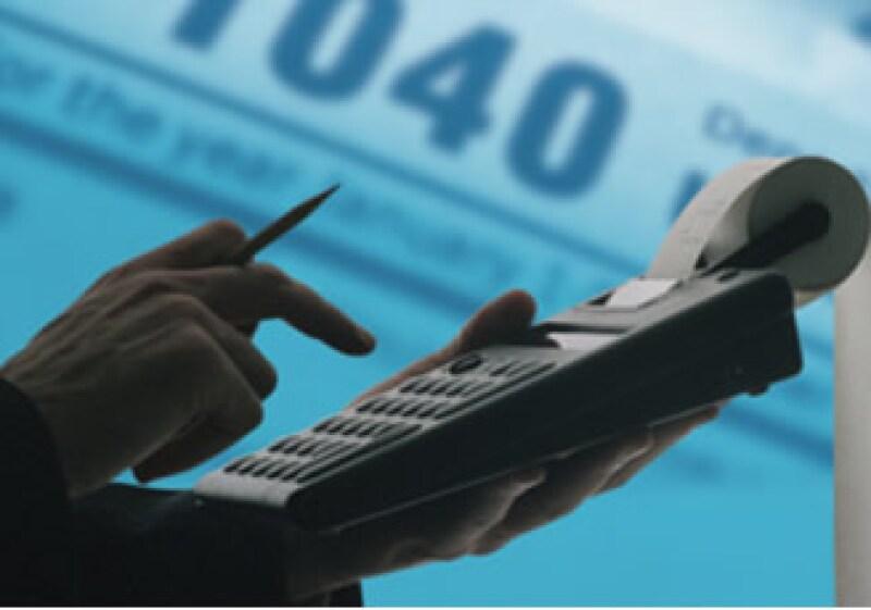 El Códifo fiscal además de recargos contempla multas adicionales que van de los 980 a los 20,070 pesos por no presentar declaración anual de impuestos.(Foto: Jupiter Images)