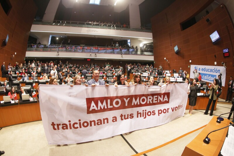 protesta PAN reforma educativa