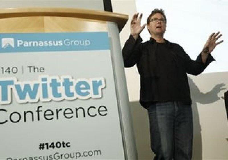En un discurso, Biz Stone habló de los orígenes de Twitter y su objetivo de un impacto positivo. (Foto: AP)