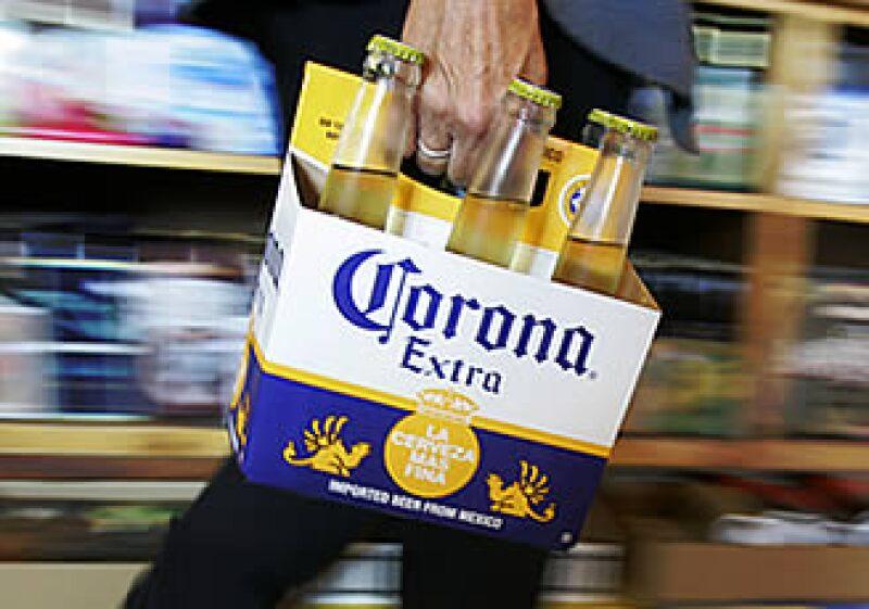 Corona es la cerveza importada líder en el mercado estadounidense. (Foto: AP)