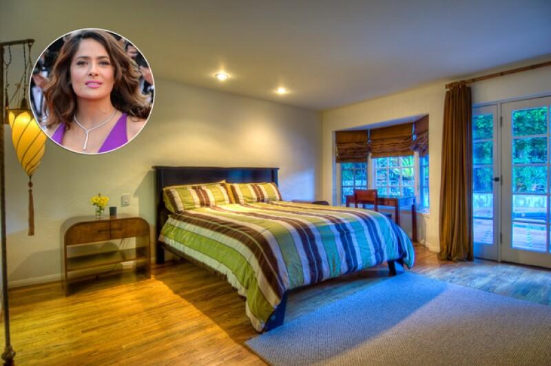 Esta es la lujosa propiedad de la actriz mexicana, al estilo de un rancho californiano, que cuenta con cuatro recámaras y una alberca.