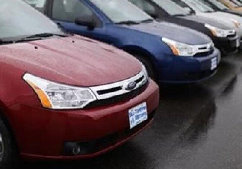 Las ventas de Ford en EU bajaron 11% durante junio. (Foto: Reuters)