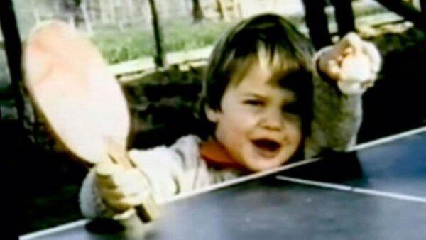 Desde que tenía dos años ya se le veían habilidades con la raqueta. Apenas era lo suficientemente alto para asomarse a una mesa de ping pong.