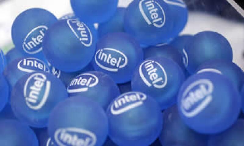 Intel, con 54,000 millones de dólares en ingresos anuales, es el mayor fabricante de chips del mundo. (Foto: AP)