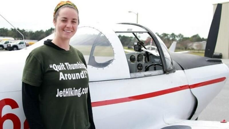 Amber Nolan y su pasión por loa aviones