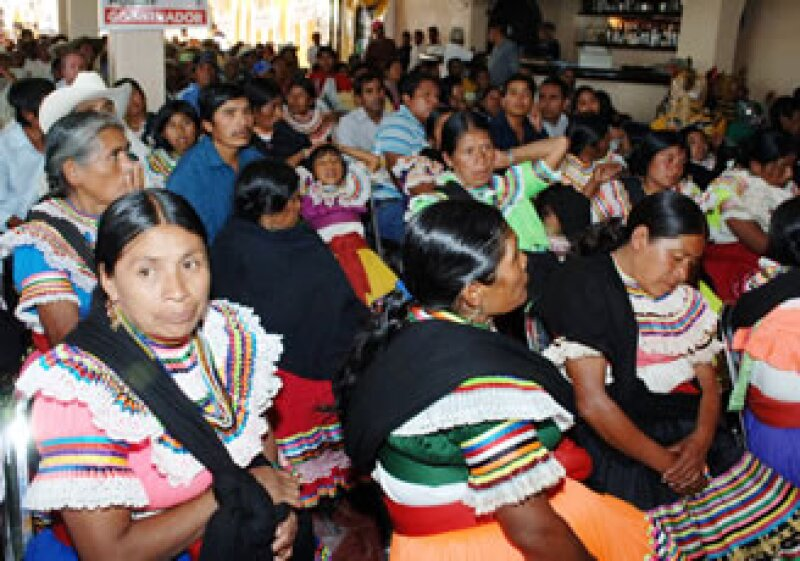 Especialistas denuncian que mujeres indígenas son juzgadas conforme a normas que no conocen y en una lengua que no es la suya. (Foto: Notimex)