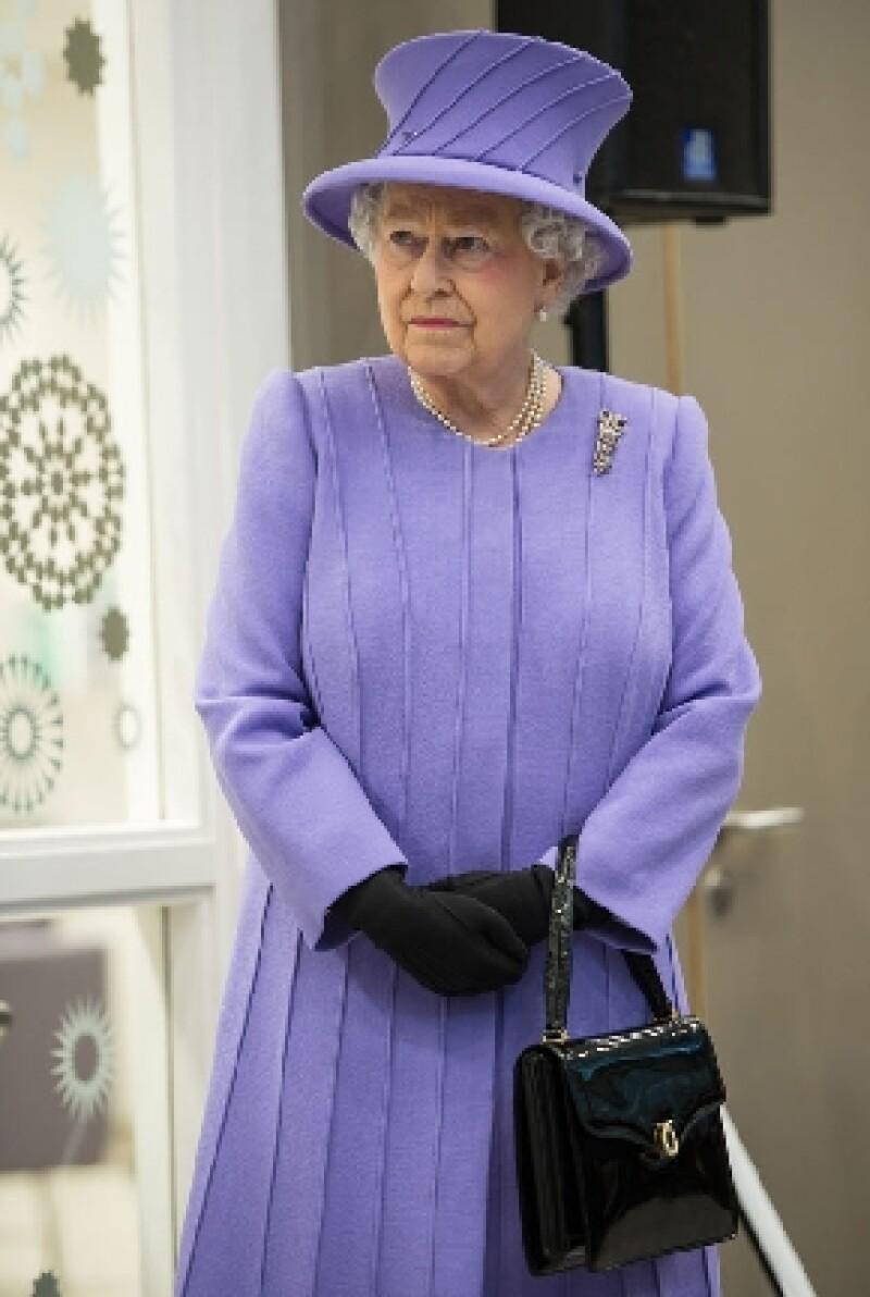 Todos los compromisos de la monarca en las próximas semanas, incluyendo un viaje a Roma, han sido cancelados o pospuestos como precaución.