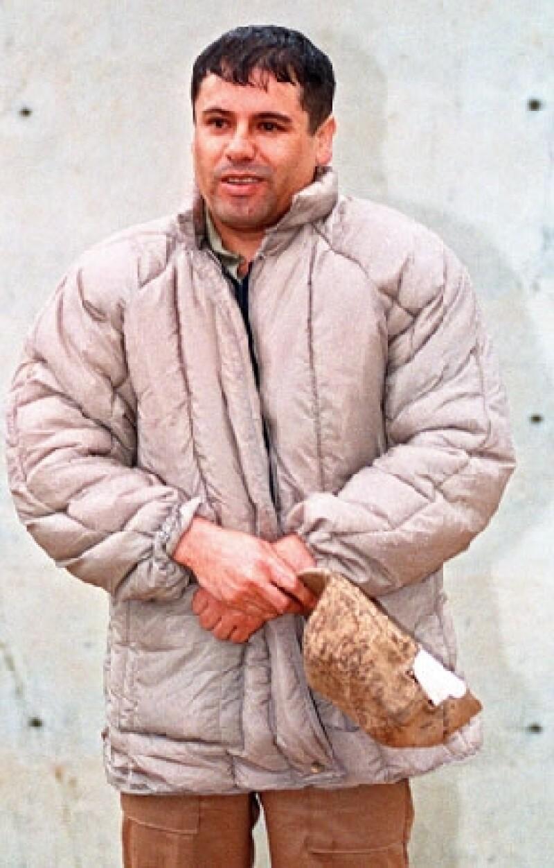 El líder del cártel de Sinaloa tiene el lugar 937 de la lista de millonarios de la revista Forbes; la fortuna del narcotraficante Joaquín Guzmán Loera está calculada en 1,000 millones de dólares.