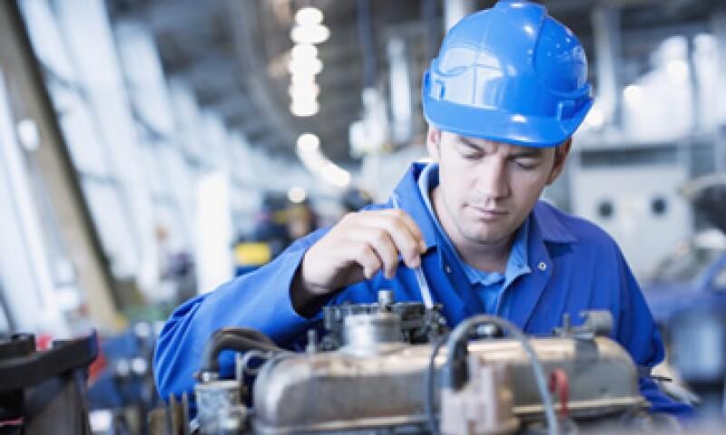 Los economistas esperaban un alza de 0.2% en la producción industrial. (Foto: Getty Images)