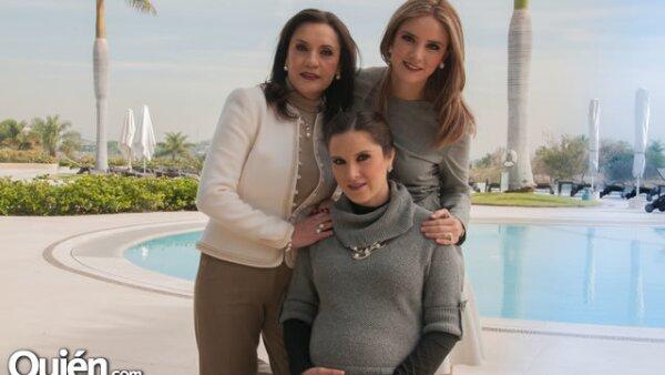Lupita Islas de Venegas,Angie Venegas,Karina Venegas