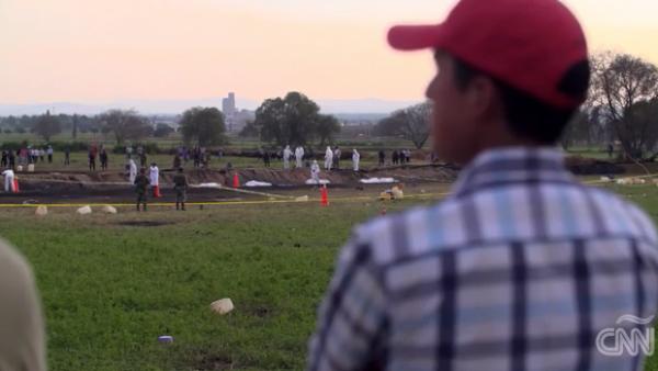 Tlahuelilpan empieza a darle el último adiós a las víctimas del incendio