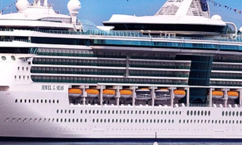 El Jewel of the Seas tenía programado llegar a Puerto Vallarta este martes. (Foto: Tomada de oyalcaribbean.com )