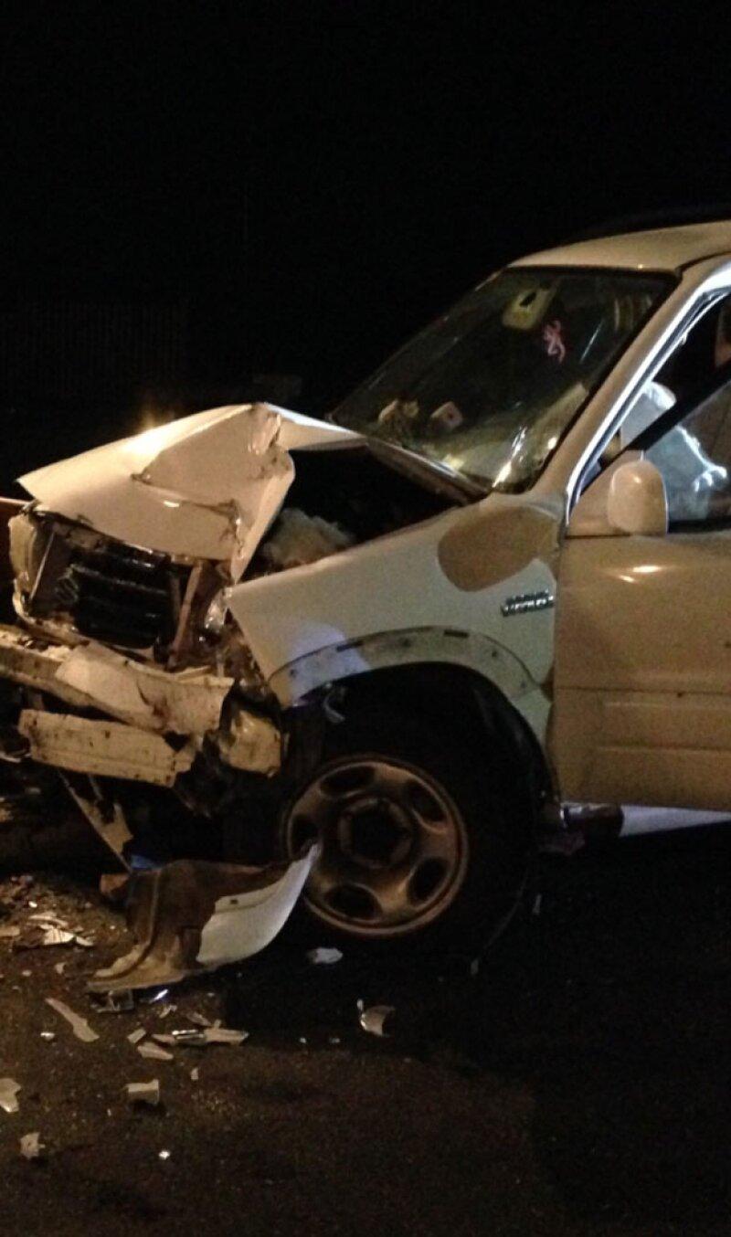 La SUV quedó bastante dañada también.