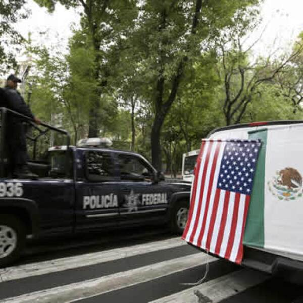 Unos mil elementos de la Policía Federal preventiva apoyarán al Estado Mayor Presidencial que es el que por ley se encarga de la seguridad de los jefes de Estado cuando visitan México.