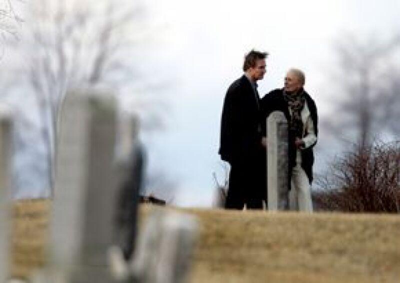 Un sombrío grupo de familiares y amigos se reunió el domingo en un pequeño poblado del Valle del Hudson para darle un último adiós a la actriz, quien falleció el pasado miércoles.