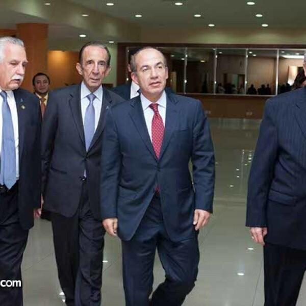 Jorge Villalobos,Manuel Arango,Felipe Calderón y Eduardo Familiar