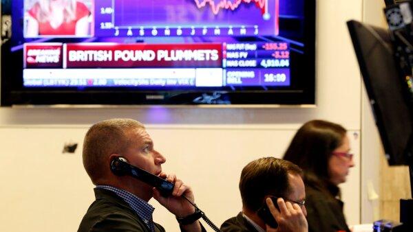 El sentimiento positivo de los inversionistas está cerca de un cambio negativo, según algunos analistas.
