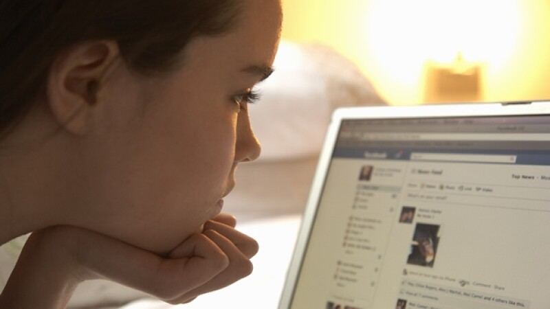Facebook menores niños internet