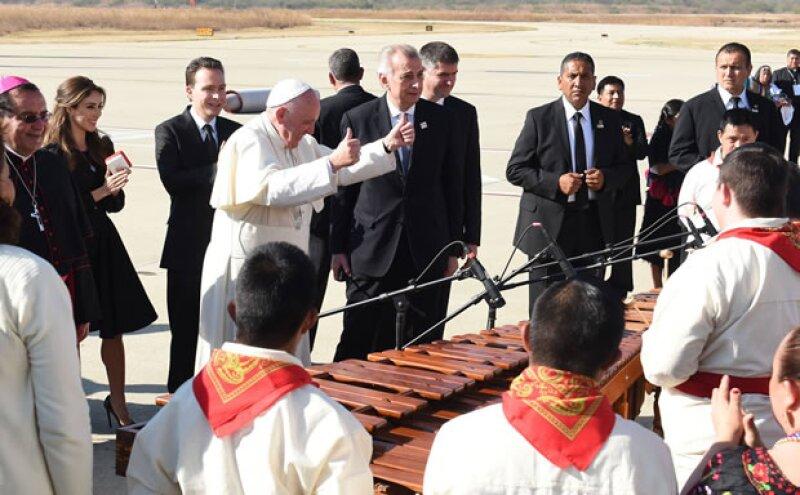 Una marimba se encontraba en el lugar para recibir al Papa.