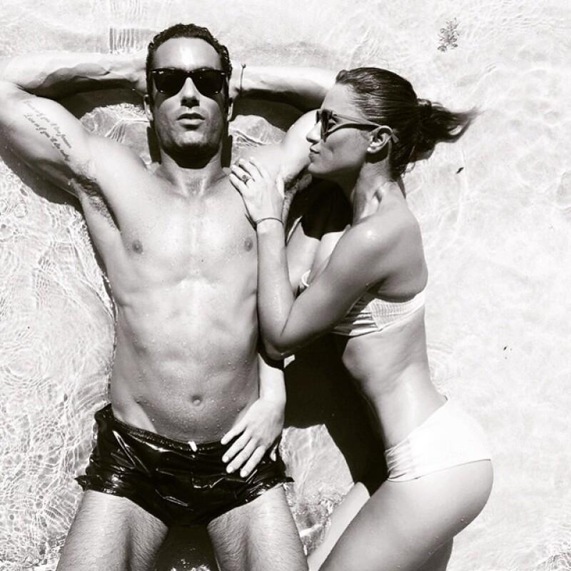No cabe duda, Aarón Díaz y Lola Ponce son unas de las parejas más hot de este verano.