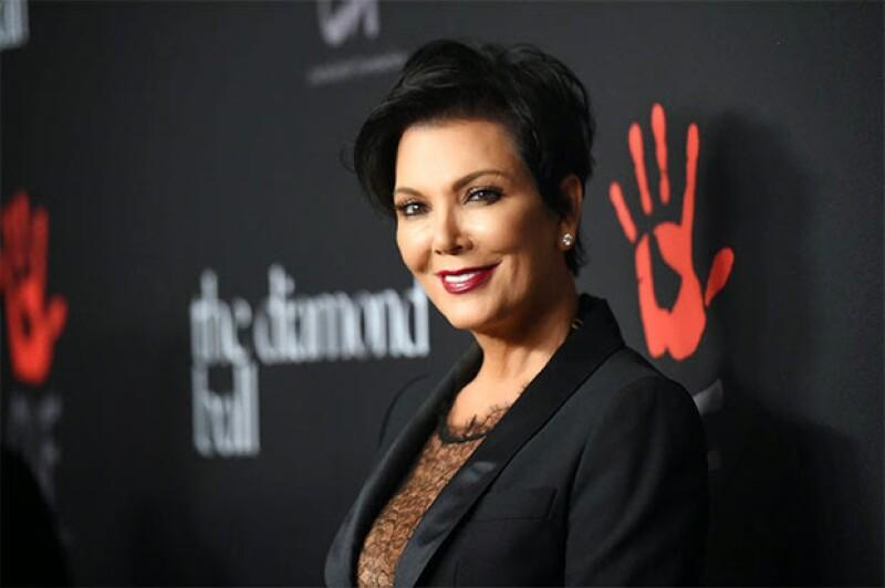 """La mamá de las Kardashian asegura que las cosas están """"bien"""" con su ex marido, Bruce Jenner, de quien se divorció hace apenas dos días."""
