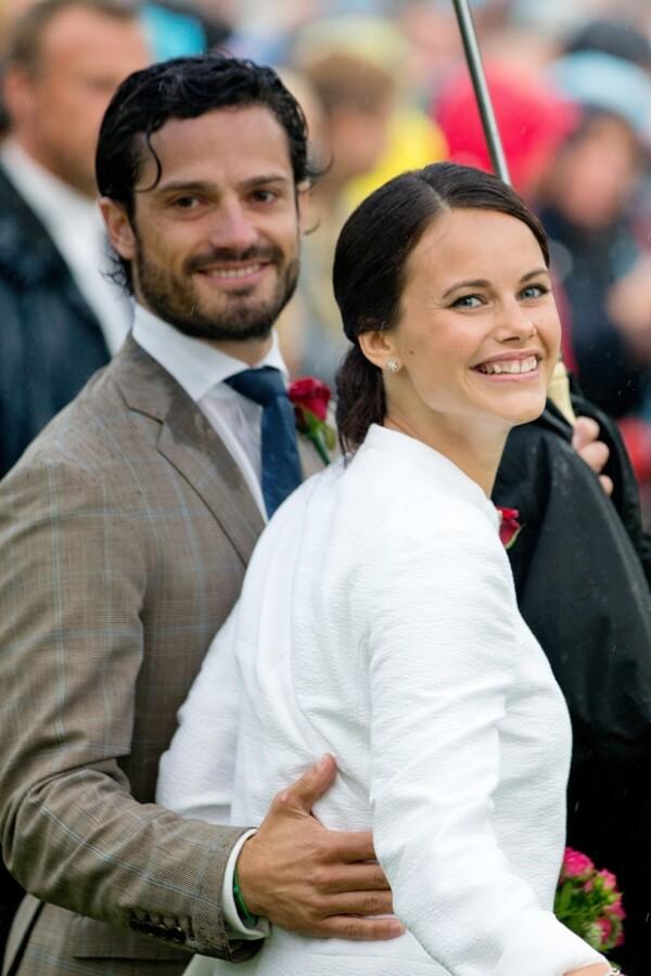 Luego de la controversia originada por su relación con la ex modelo, el príncipe Carlos Felipe da a conocer la fecha de su enlace.
