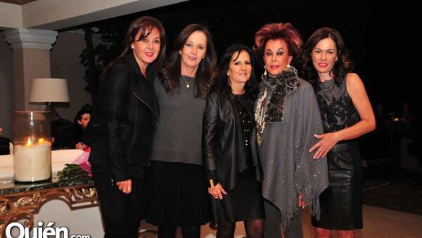 Adriana,Lorena y Melín Godínez,Melín Fajardo,con Lourdes Godínez