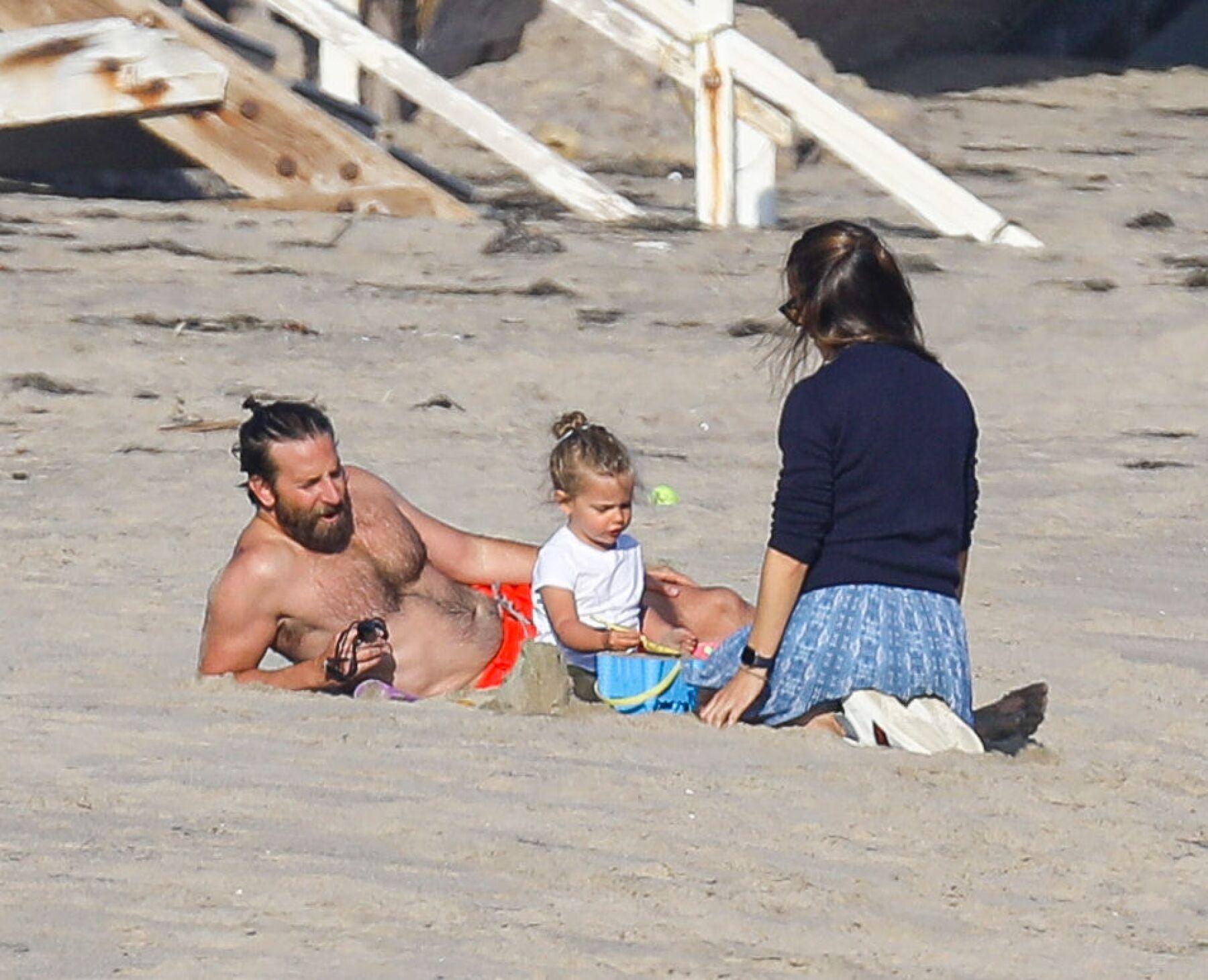 PREMIUM EXC Bradley Cooper and Jennifer Garner