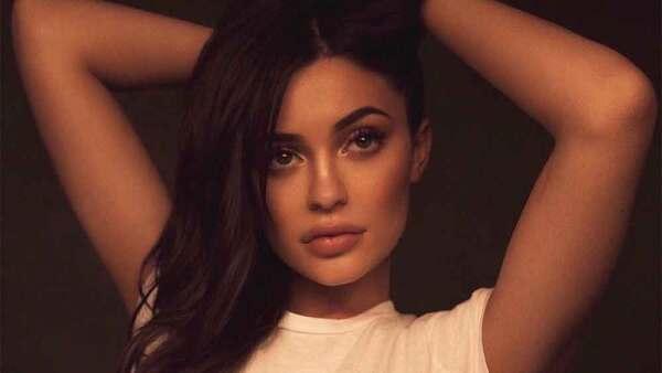 Kylie Jenner DES
