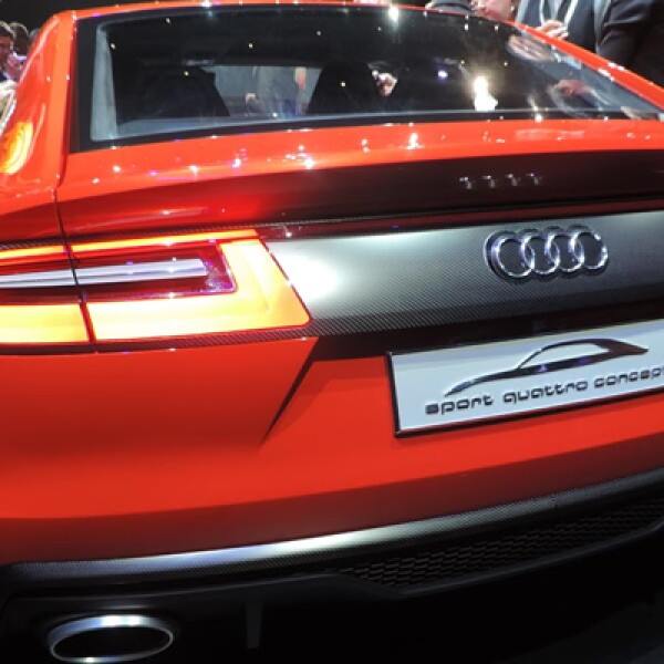Audi presentó el nuevo Sport Quattro Laserlight, un automóvil semihíbrido, con conectividad y faros de luz láser.