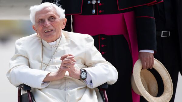 Pope Benedict travels back to the Vatican