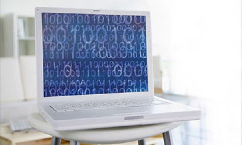 Las computadoras de Apple también se ven afectadas por un malware que luce como un plug-in normal. (Foto: Cortesía CNNMoney.com)
