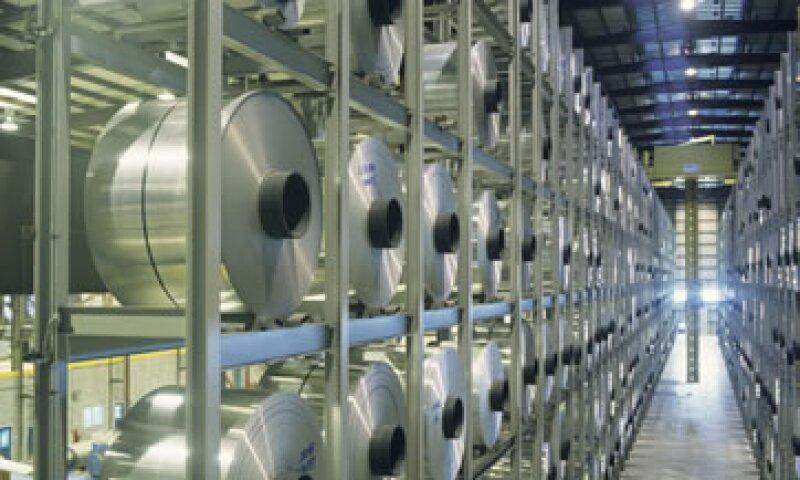Alcoa, fabricante de aluminio, reportó una pérdida en el último trimestre de 2011. (Foto: Thinkstock)
