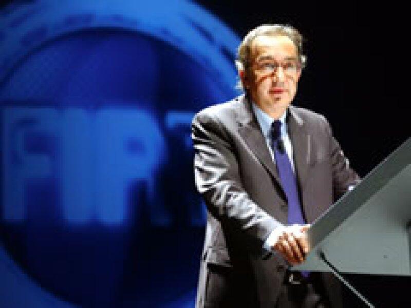 Sergio Marchionne encabezará el grupo automotriz que desafiará a Volkswagen AG por su tamaño. (Archivo)