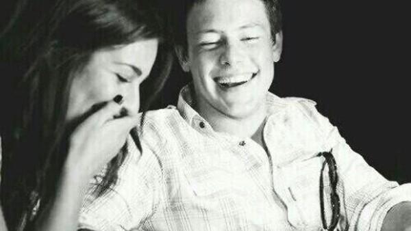 """El día de hoy el protagonista de """"Glee"""" cumpliría 32 años de edad si no hubiera muerto el 14 de julio del año pasado. La actriz, quien fuera su novia le dedicó un emotivo mensaje en Twitter."""