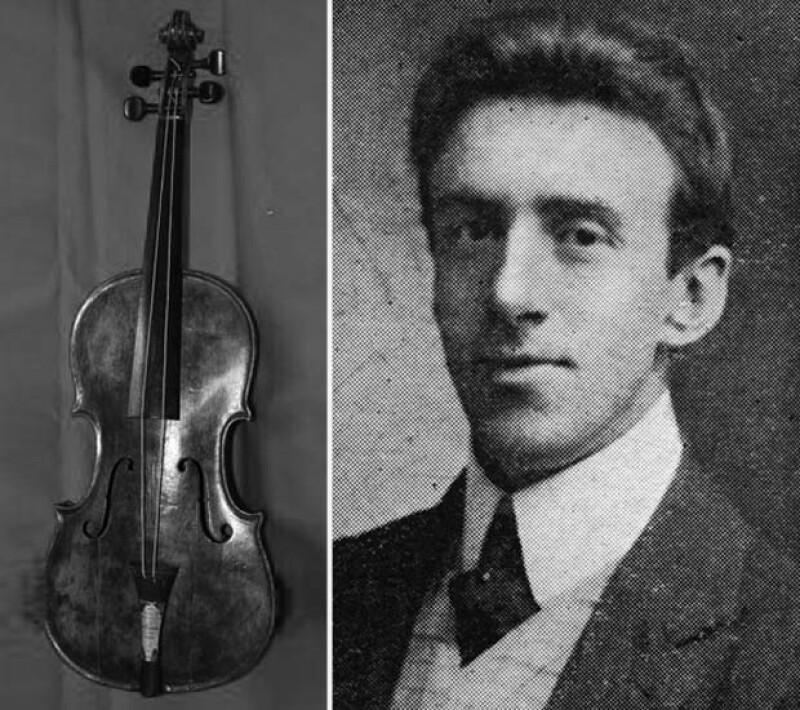 El violín que el director de la orquesta del Titanic tocó mientras el transatlántico se hundía fue desenterrado, dijo el viernes una casa de subastas británica.