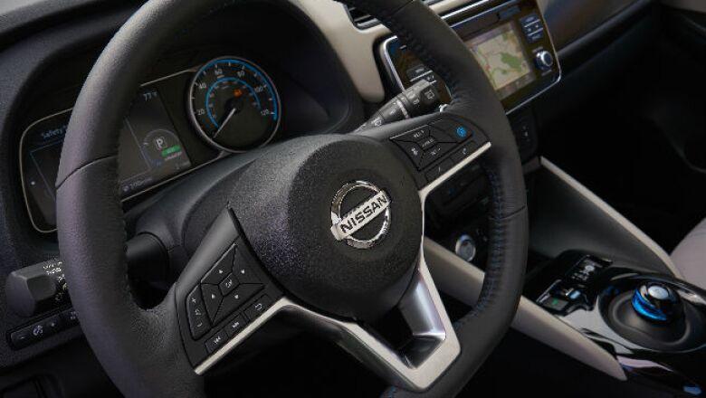 Nissan Leaf 2018 (d)