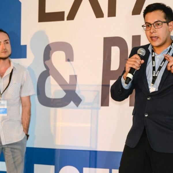 Es una plataforma educativa en la nube que ofrece cursos que llegan a miles de personas, Arturo Aguirre y Guillermo Pérez son sus fundadores.