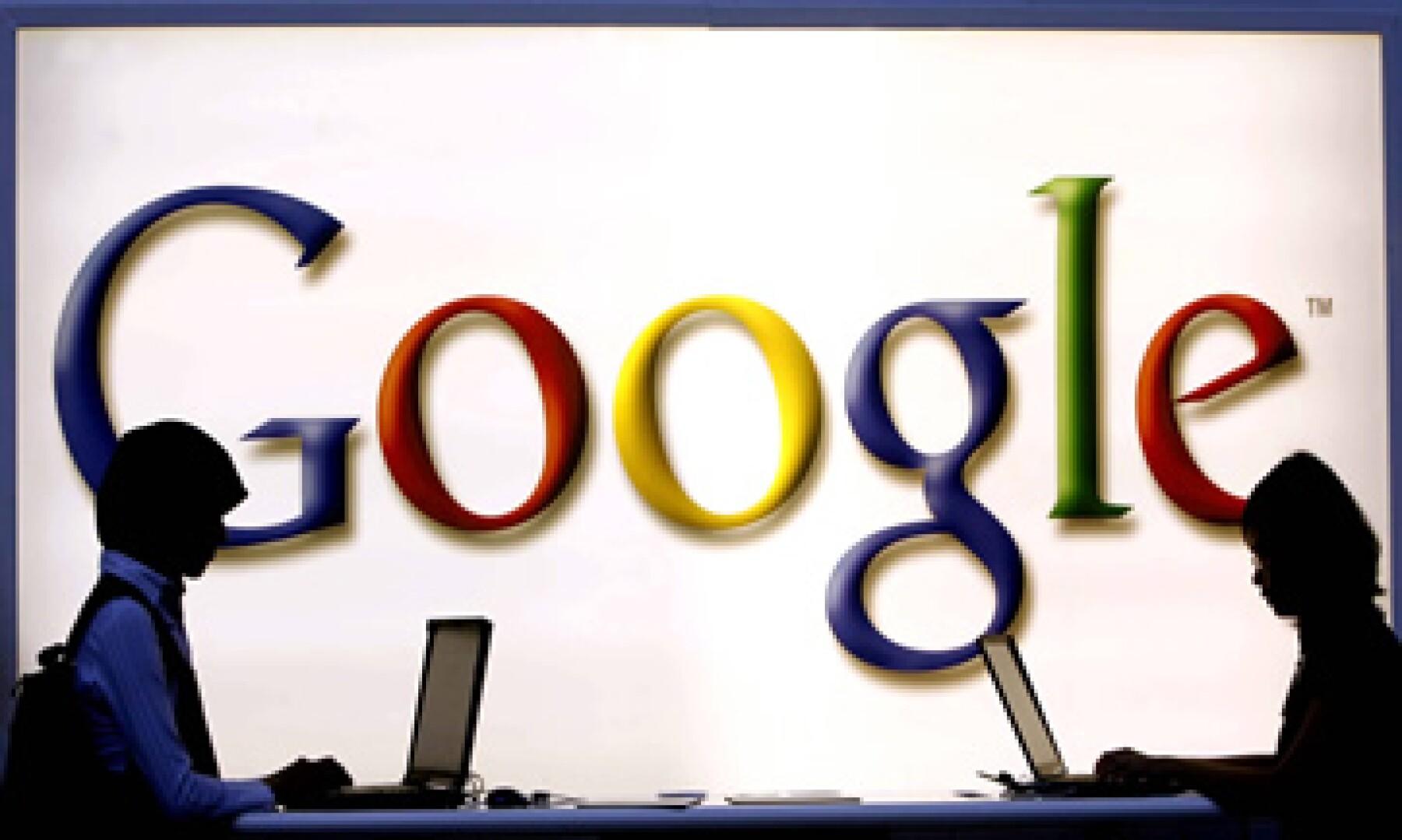 Google combina datos recopilados de usuarios individuales en sus servicios, incluyendo a YouTube, Gmail y la red social Google+. (Foto: AP)