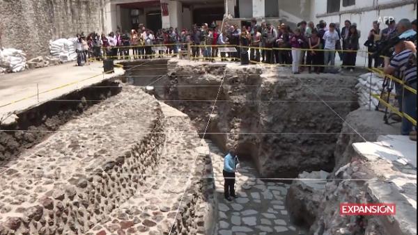 Descubren templo azteca y cancha ritual en Ciudad de México