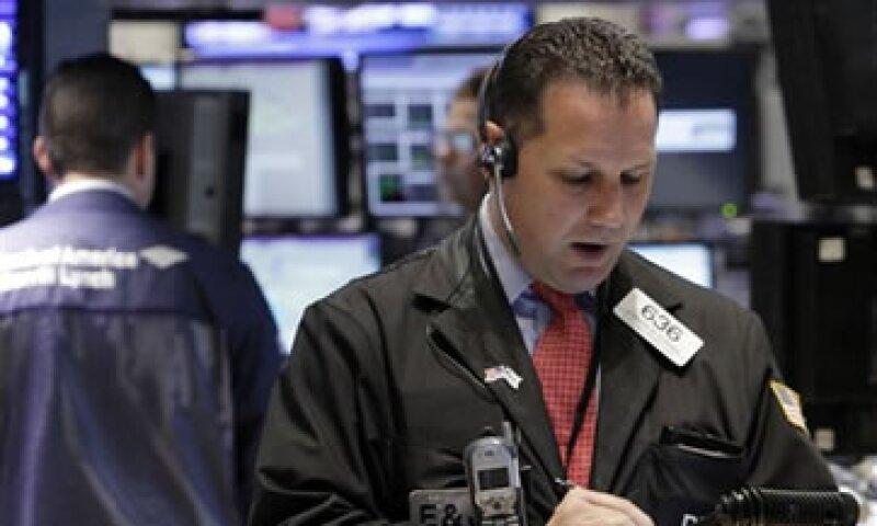 El crudo Brent pierde 1 dólar y se cotiza en 110.45 dólares el barril. (Foto: AP)