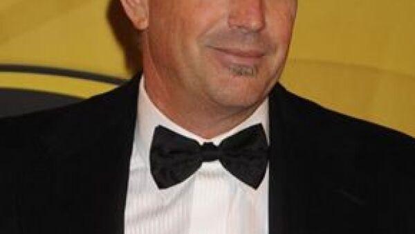 El actor estadounidense de 53 años fue trasladado al Centro Médico Cedars-Sinai en Los Ángeles luego de que se comenzara a sentir mal mientras manejaba su auto.