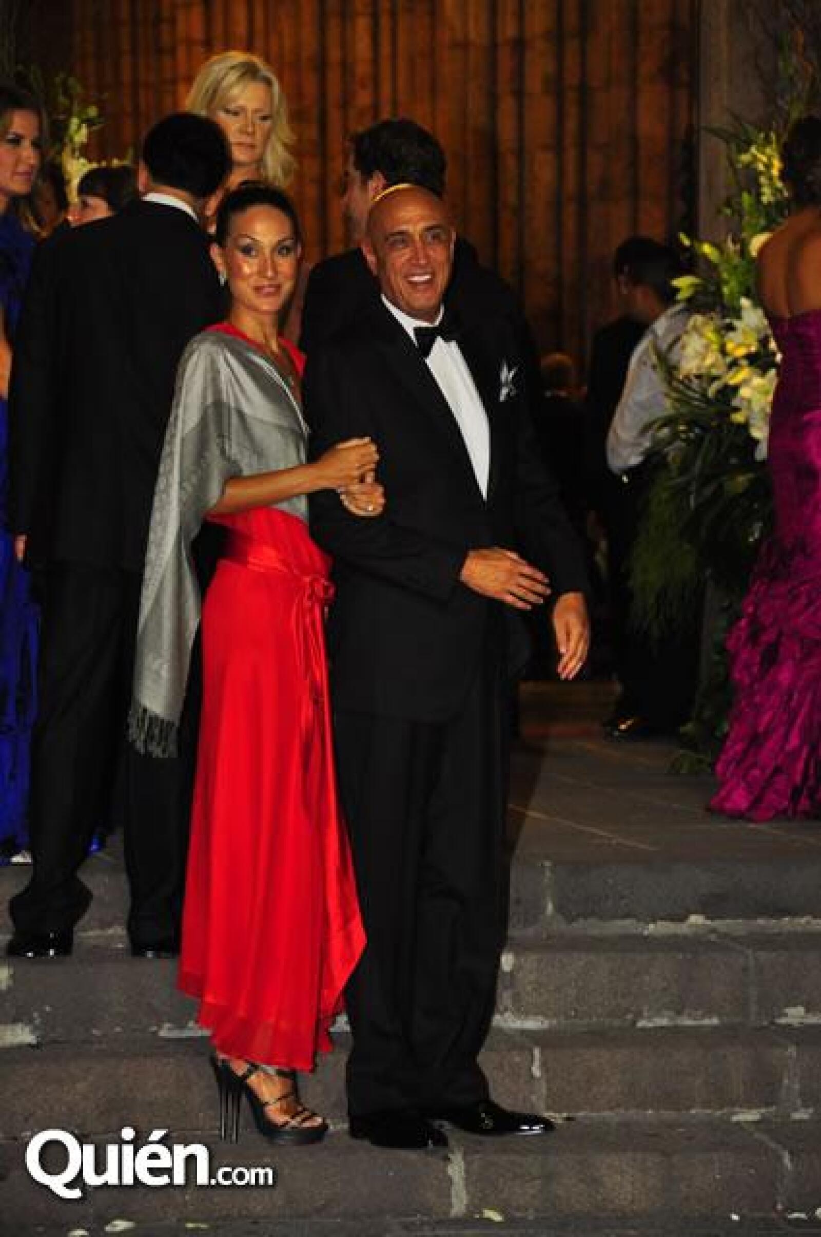 Pedro Torres con su pareja
