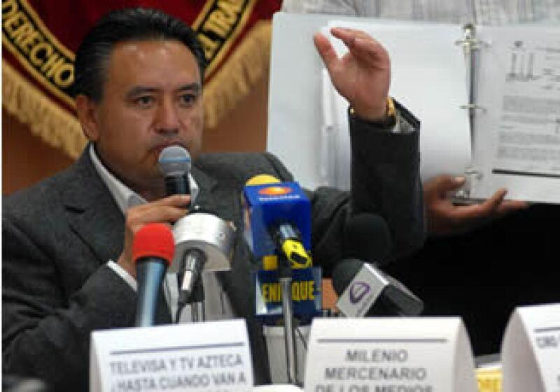 Martín Esparza dijo que acudirá a la CDHDF para presentar una queja similar a la que promovida en la CNDH por violación a las garantías individuales de trabajadores.  (Foto: Notimex)